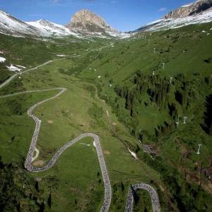 Passo-Pordoi-Maratona-dles-Dolomites-960x542